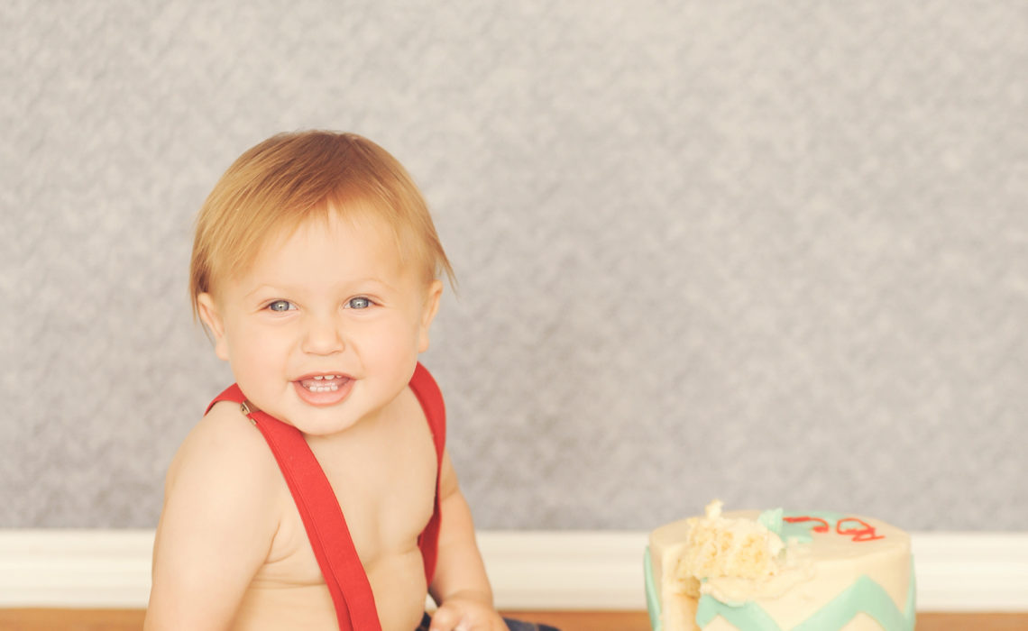 Best-Baby-Photographer-Culver-City-Studio-Portrait-Session-First-Birthday-Cake-Smash-Susie-Cakes