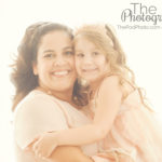 mommy-and-me-pink-white-gold-headbands-glowing-best-portriat-photographer-venice-beach