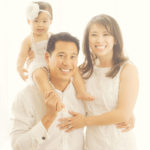 Candid-Family-Portrait-Pose-Best-Studio-Photographer-Santa-Monica
