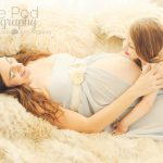 intimate-mother-daughter-pregnancy-photos