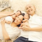 twin-baby-photographer-los-angeles-family-photo-with-two-boys