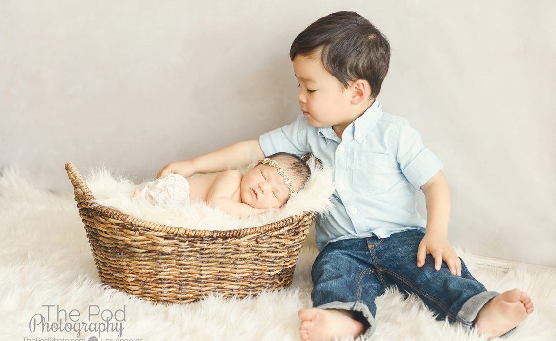 Best newborn photography santa monica california baby josephine and her big brother