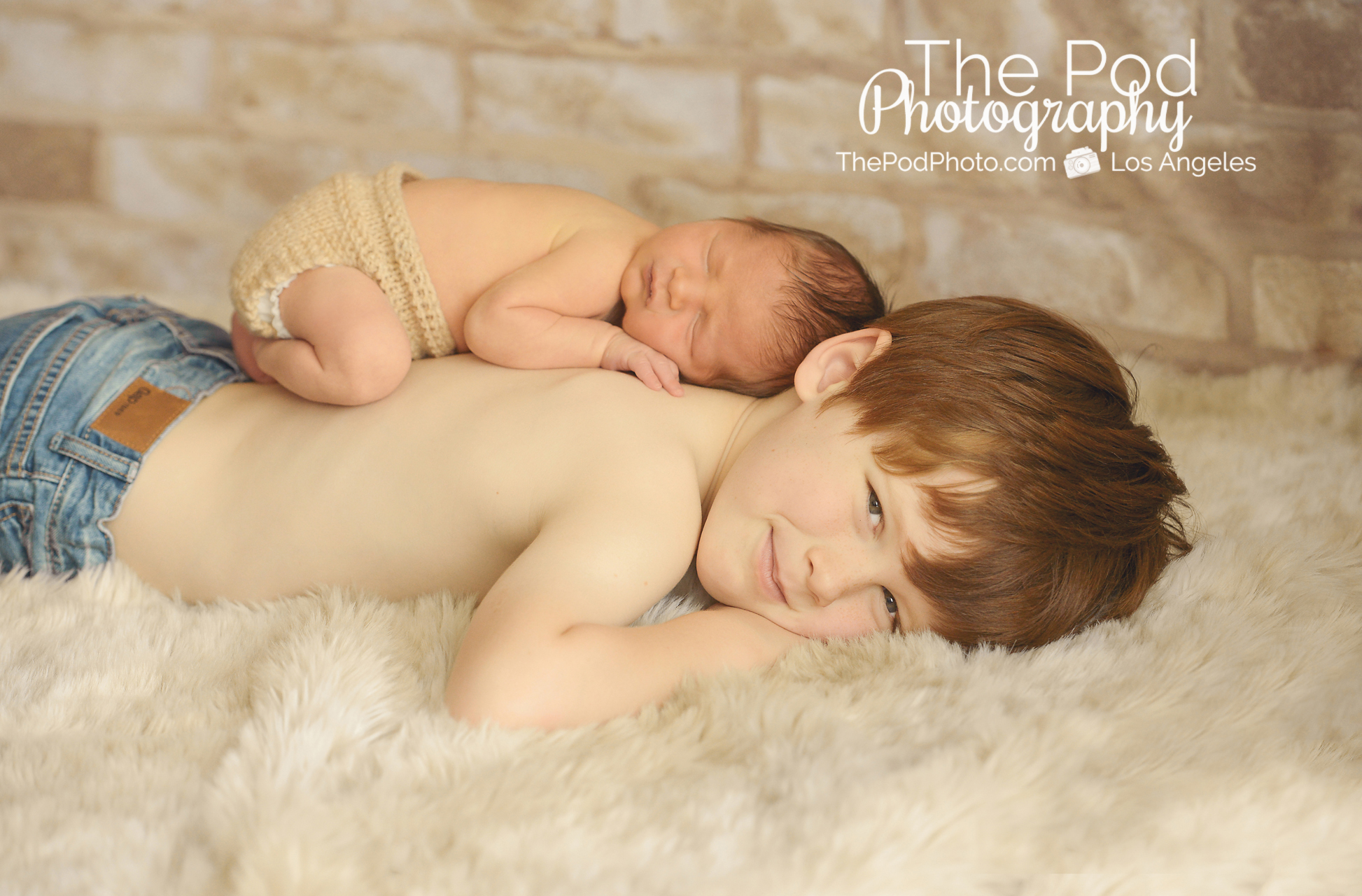 Newborn baby photographer los angeles two boys professional photo shoot