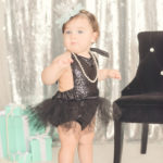 breakfast-at-tiffanys-themed-baby-photos
