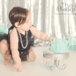 first-birthday-cake-smash-baby