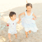 kids-portraits-at-the-beach