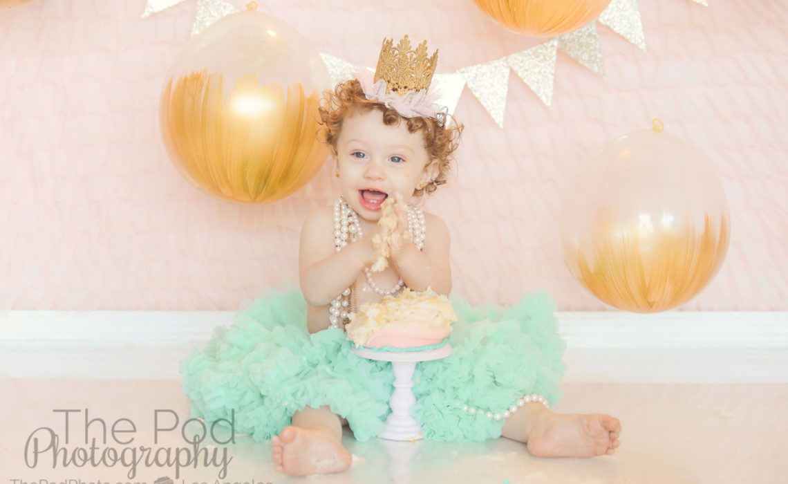 cake-smash-one-year-photographers-woodland-hills