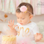 babys-first-taste-of-sugar-cake-smash-photos-pasadena