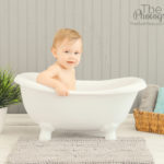 12-month-old-baby-in-a-bathtub-smash-and-splash-portrait-session-silver-lake-los-angeles