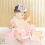 smashing-first-birthday-cake-bel-air-photographer