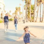 santa-monica-boardwalk-family-pictures